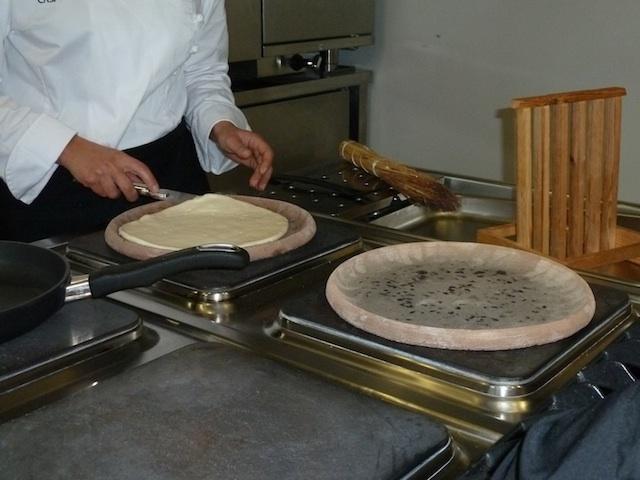 2011-05-02-CookingThePiadina1000667.jpg
