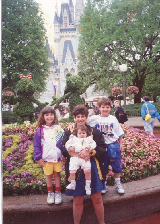 2011-05-02-Disneyland1992.jpg