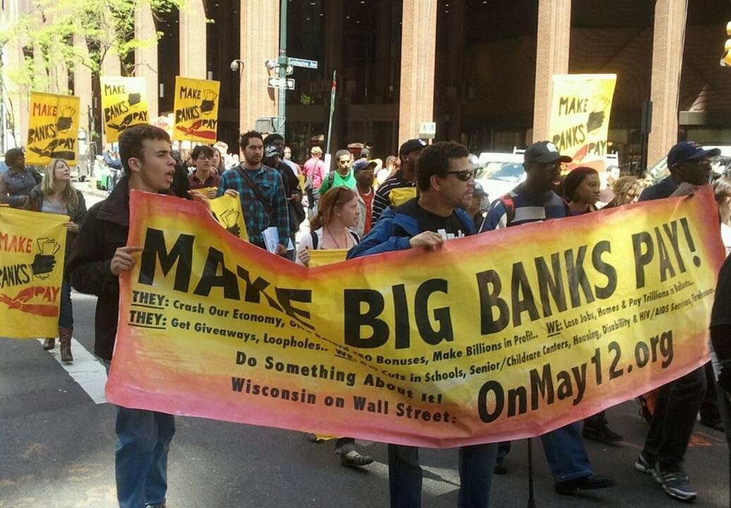 2011-05-12-makebankspay.jpg