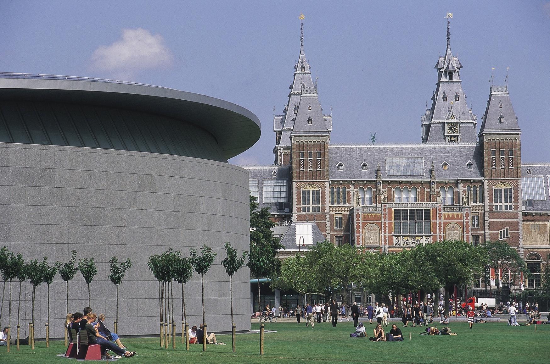 2011-06-03-AmsterdamVanGoghleftRijksmuseumright2.jpg