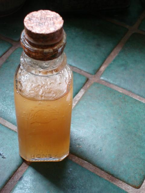 2011-06-06-honey.JPG