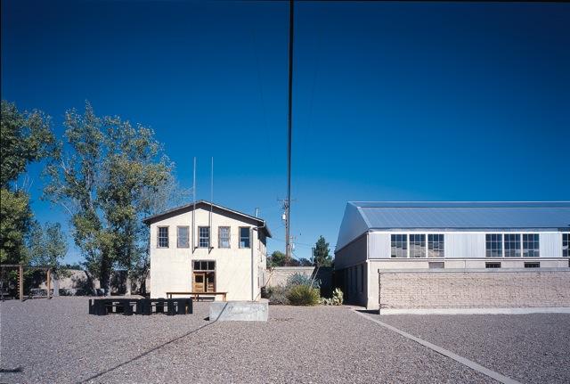 2011-06-20-LaMansanaCourtyard.jpg