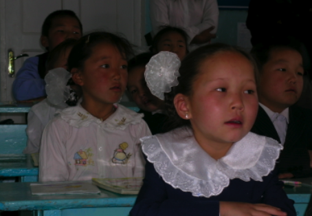 2011-06-20-Mongoliangirls.png