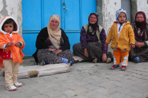 2011-06-20-turkishwomen.png