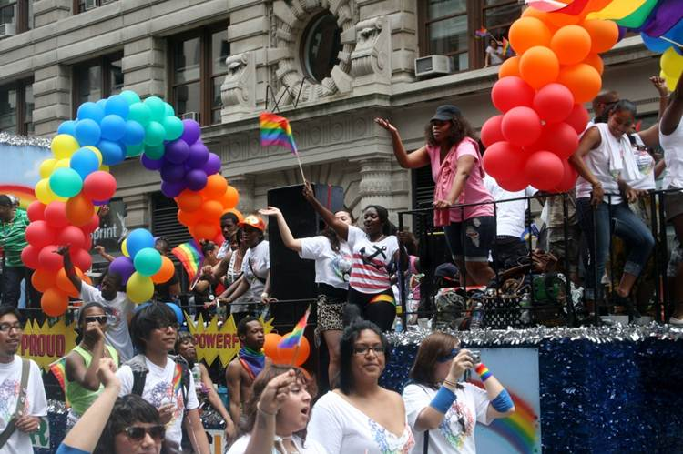 2011-06-27-Gay_Pride_Parade_NYC_2011_R.jpg