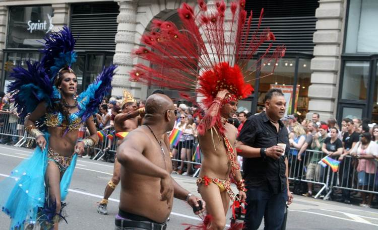 2011-06-27-Gay_Pride_Parade_NYC_2011_X.jpg