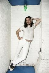 2011-06-30-AndrewWK_at_SantosPartyHouse_Photo_By_Jen_Maler_4.jpg