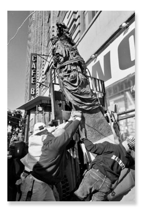 2011-06-30-orinal_statue.jpg