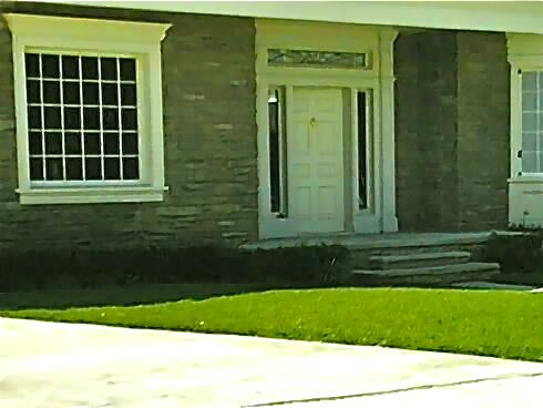 2011-07-08-Lawn1_ChuckWolfe1.jpg