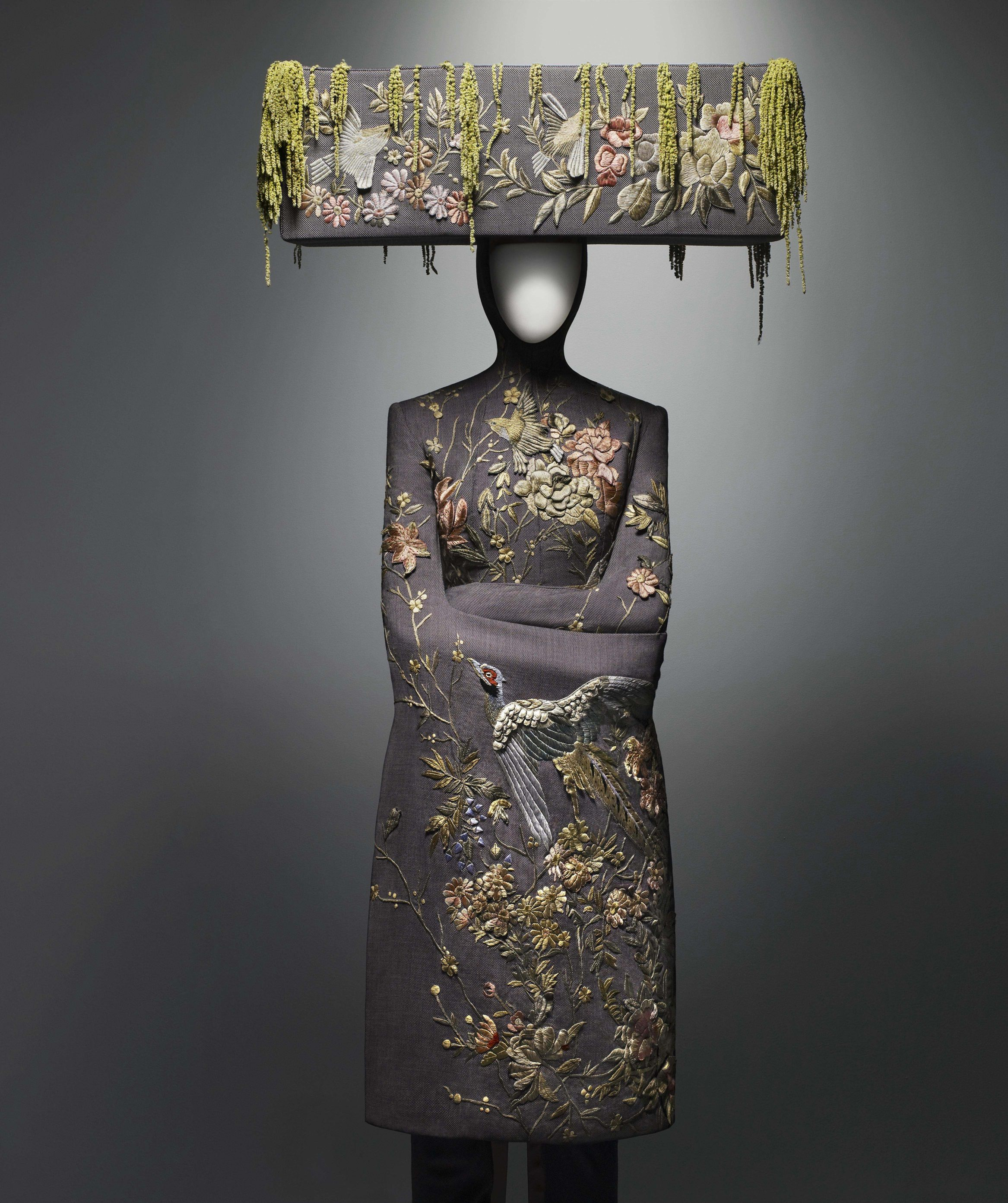 Alexander McQueen's 'Savage Beauty' At The Metropolitan ...