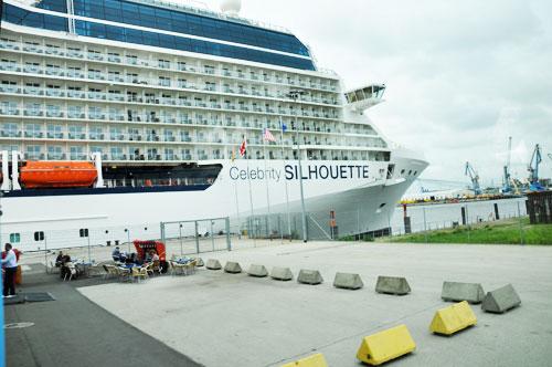2011-07-23-celebritysilhouette1.jpg