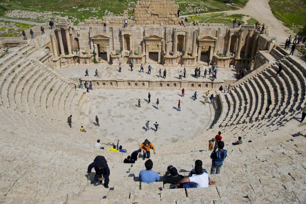 2011-07-27-JerashjordanromanruinssouthamphitheaterinJerash.jpeg