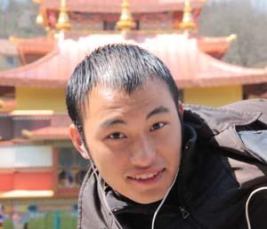 2011-08-05-kalurinpoche.jpg