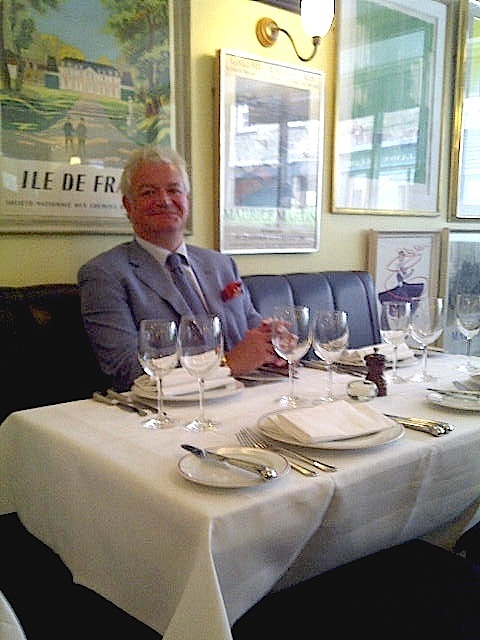 2011-08-10-GavinRankininhisrestaurant00337.jpg