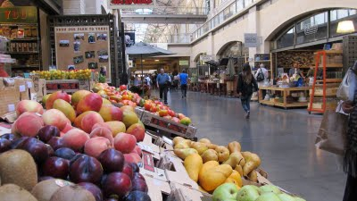 2011-08-12-SANFRANferryfruit1.jpg