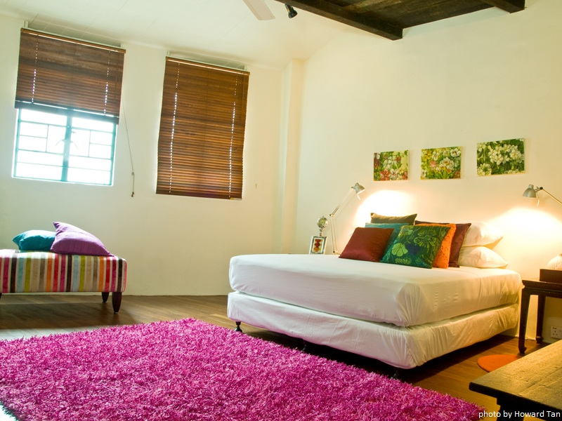 2011-08-14-StraitsCollectionBedroom.jpg