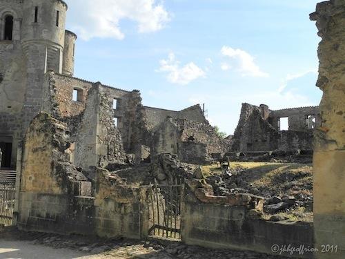 2011-08-22-RuinsofOradoursurGlane.jpg