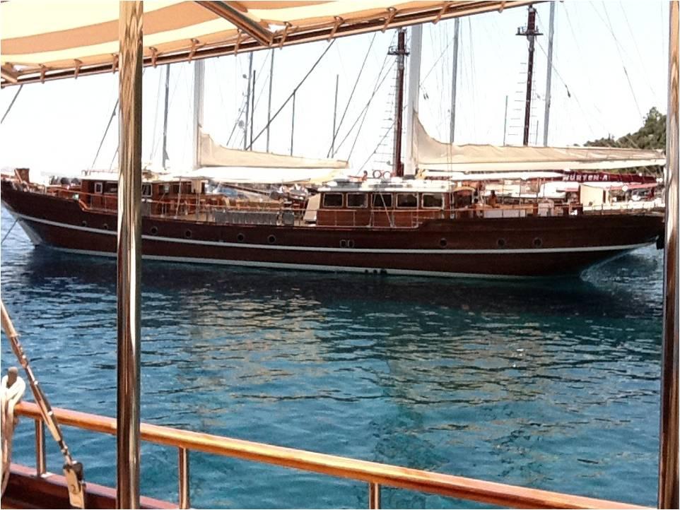 2011-08-23-boat.jpg