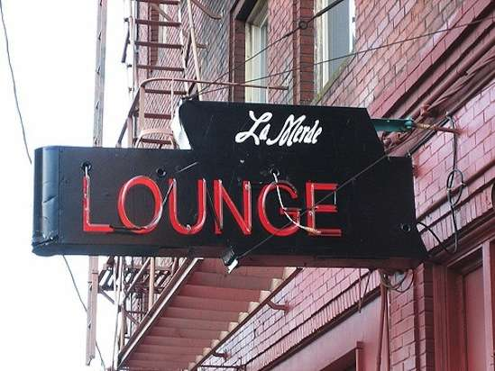 2011-08-25-la_merde_lounge_laura_n.jpg