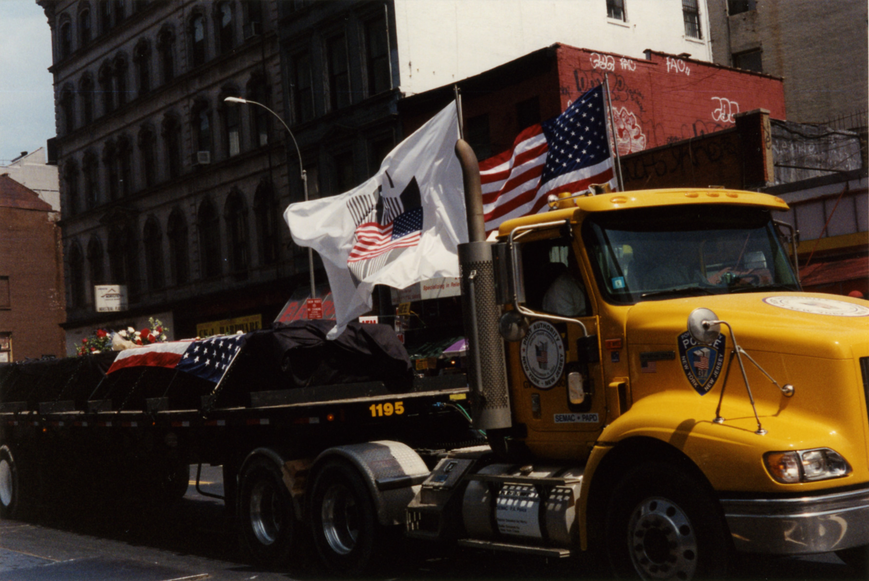 days in new york city a photo essay 2011 09 11 20023removalofthelastwtcbeam jpg