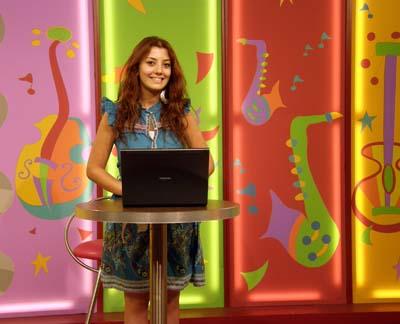 2011-09-13-KidsprogrampresenterMarianneAwarajiAbuFadil.jpg