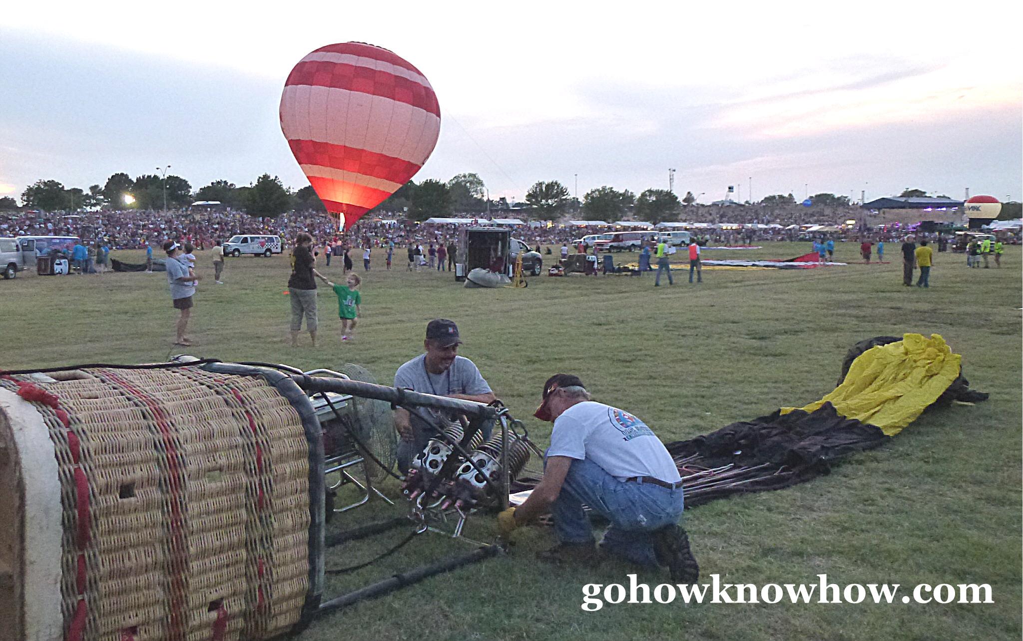 2011-09-20-planopreinflatingtheballoons.jpg