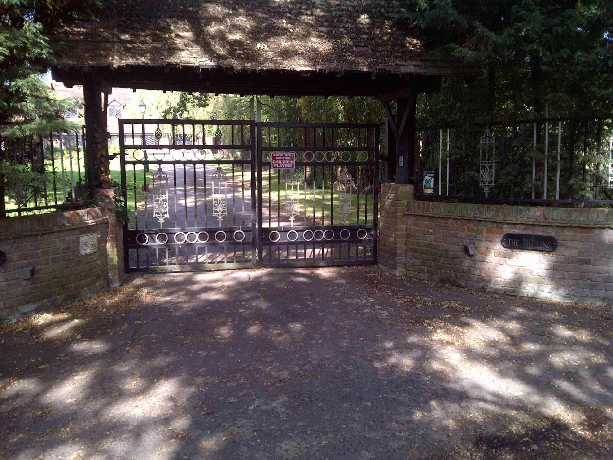 2011-09-23-gate.jpg