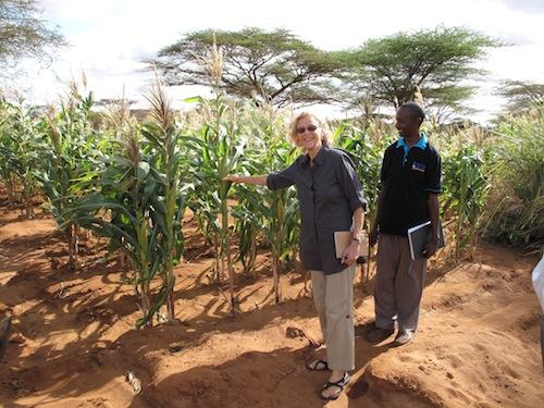 2011-09-30-NanandHalakefarm.JPG