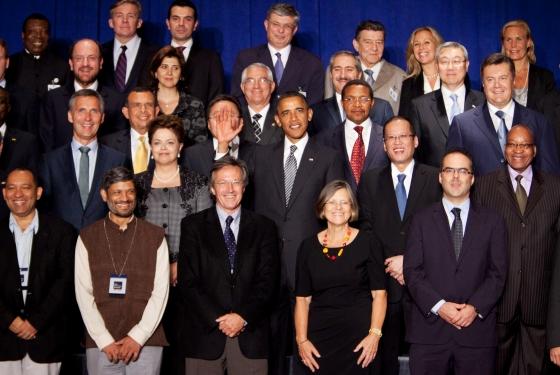 2011-10-03-Obamahandinface.jpg