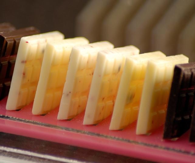 2011-10-04-SLS_TheBazaarPatisserie_JoseAndres_BazaarWhiteChocolateTablets.JPG