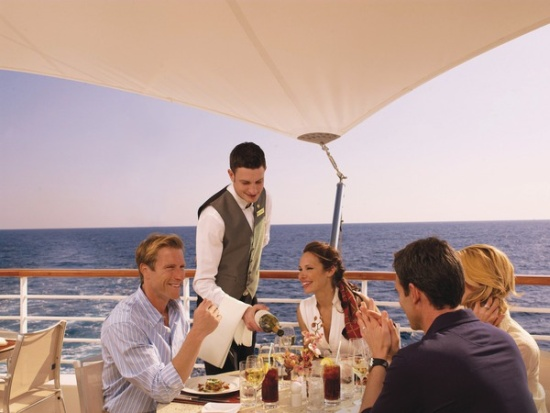 2011-10-06-seabournVeranda_Cafe_Waiter_S2F1e0pRtYm3JVeUMHSDNks18q0ABlZBh_rgb_72.jpg