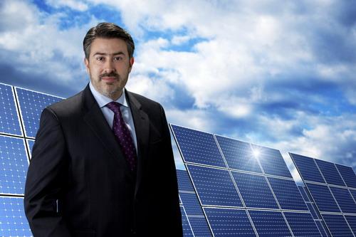 2011-10-11-LuisRojasPresandCEOEvergreenEnergySolutionsLLClowrez.jpg
