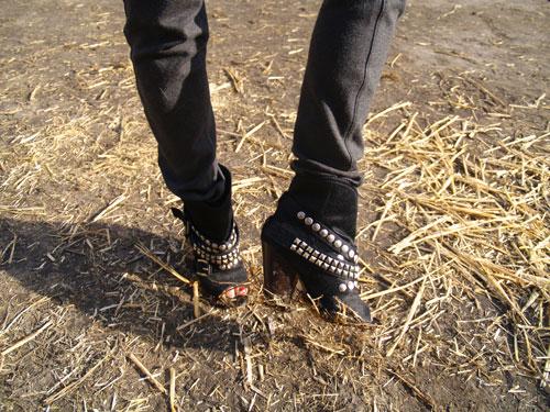 2011-10-17-Arata_shoes_web.jpg