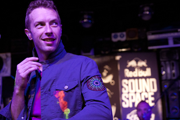 2011-10-18-ColdplayKROQ.jpg
