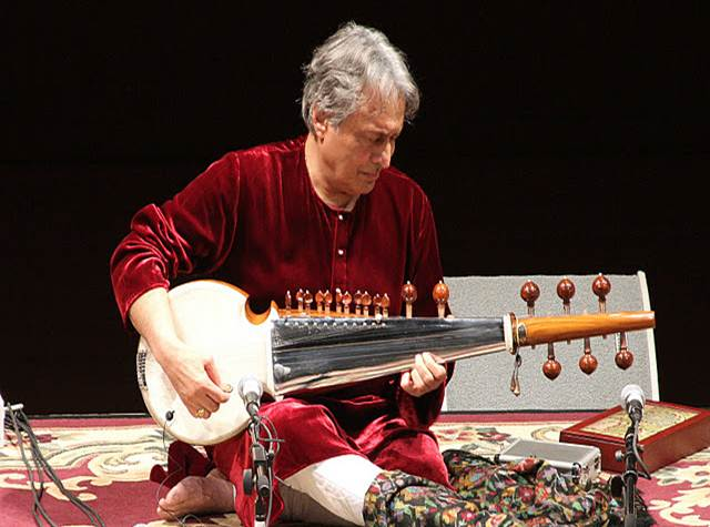 2011-10-24-Ustad_Amjad_AliKhan_Sons_Perform_NYC_A.jpg
