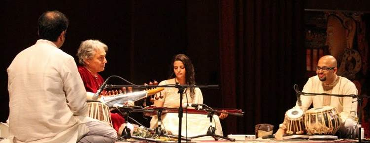 2011-10-24-Ustad_Amjad_AliKhan_Sons_Perform_NYC_B.jpg