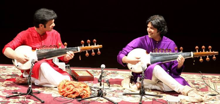2011-10-24-Ustad_Amjad_AliKhan_Sons_Perform_NYC_C.jpg