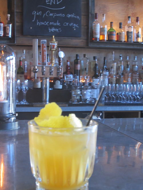 2011-10-28-cocktail1.JPG