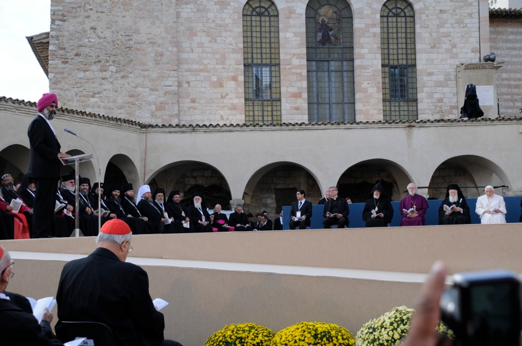 Dr. Tarunjit Singh Butalia speaks at the 25th Assisi World Day of Prayer for Peace