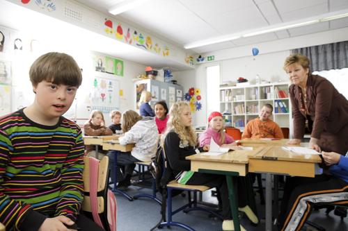 2011-10-31-cmrubinworldpasisahlbergauroraschool3500.jpg