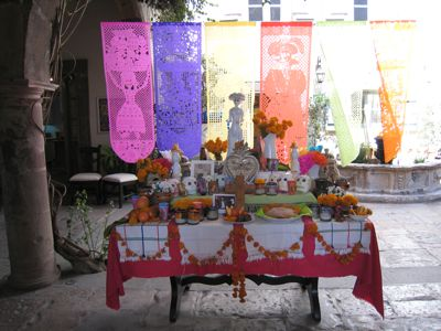 2011-11-02-DayoftheDeadSpaceClear.jpg