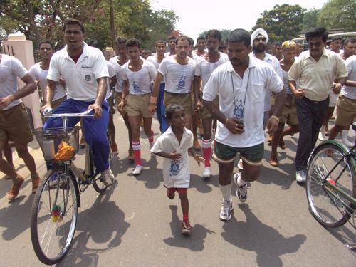 2011-11-03-MarathonBoyBudhiaBiranchi.jpg