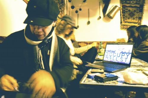 2011-11-03-Thorinsettinguplivestreame1320273022919.jpg