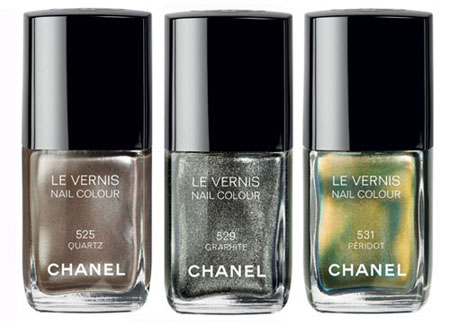2011-11-07-ChanelLeVernisNailColour2.jpg