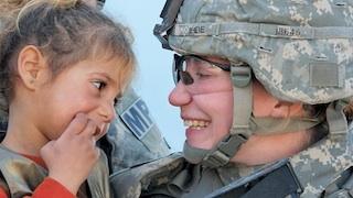 2011-11-08-SoldierandGirl320px.JPG