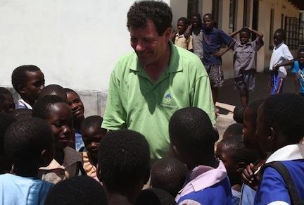 2011-11-14-NickKristof_schoolchildreninzimbabwe.jpg