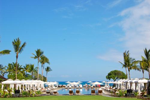 2011-11-28-hawaiihotelmain.jpg
