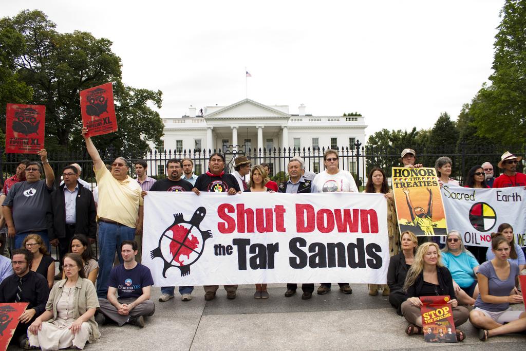 2011-11-30-ShutDowntheTarSands.jpg