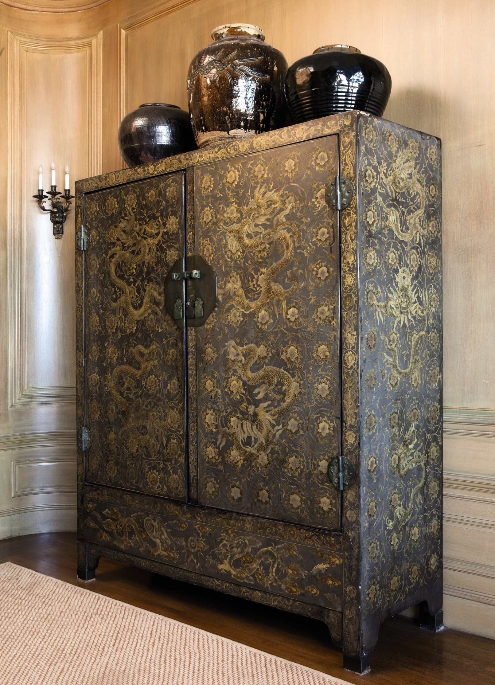 2011-12-05-8818Lot50LargechineseBrownLacquerCabinet.jpg