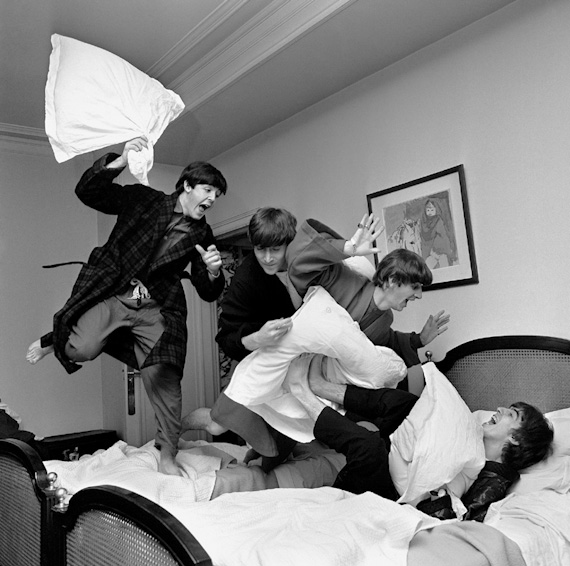 2011-12-07-Benson_BeatlesPillowFight1964.jpg